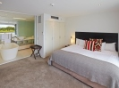 Luxury accommodation lakeside in Christchurch