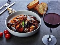 Mussels in tomato sauce - Peppers Parehua