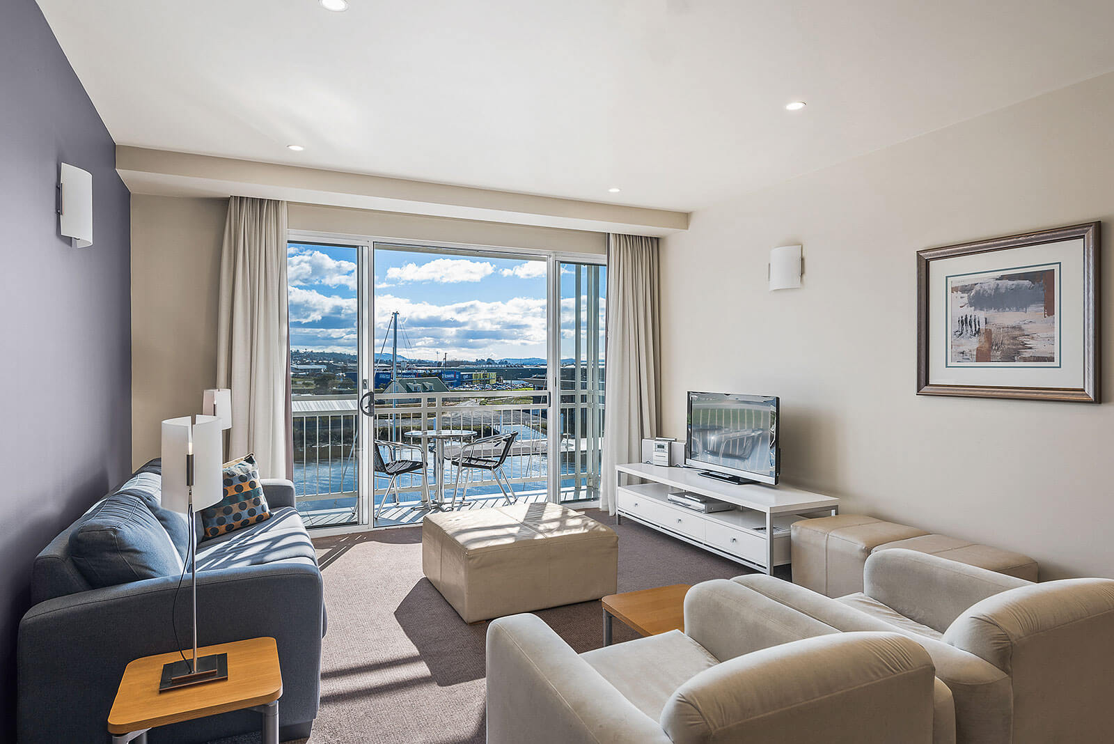 Peppers Seaport  Hotel, River View Suite