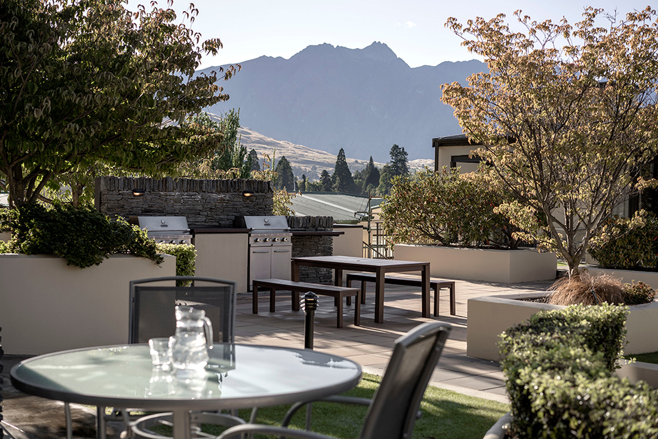 Accommodation in Queenstown with barbeque area